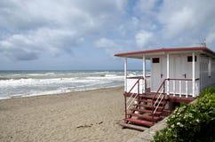 Bathhouse na plaży Zdjęcia Royalty Free