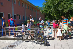 Bathing in Munich, long queue to the swimming baths Stock Images