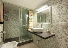 Bathroom with shower Royalty Free Stock Photography