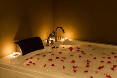Bathtub with candle in spa Royalty Free Stock Photography