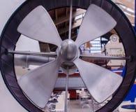 Bathyscaphe för forskning för stålpropeller undervattens- arkivbild