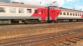 Batida dos trilhos, dos vagões, do trem e da roda vídeos de arquivo