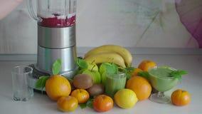 Batido de fruta saudável da baga video estoque