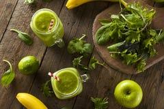 Batido de fruta verde orgânico saudável Imagem de Stock Royalty Free