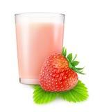 Batido de leche de la fresa Fotografía de archivo libre de regalías