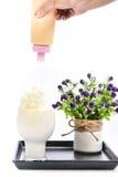 Batido de leche en un fondo blanco Fotografía de archivo libre de regalías