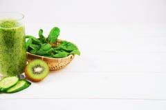 Batido misturado com imagem do quadrado do foco seletivo dos ingredientes Foto de Stock Royalty Free