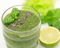 Batido verde com ingredientes Imagem de Stock Royalty Free