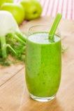 Batido verde com maçã e erva-doce Fotos de Stock