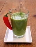 Batido verde dos espinafres e pimentas vermelhas doces, Imagens de Stock Royalty Free