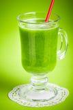Batido verde saudável do suco Fotos de Stock Royalty Free