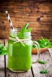 Batido verde saudável dos espinafres Fotos de Stock Royalty Free