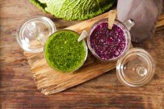 Batidos verdes para uma dieta dos espinafres Fotografia de Stock Royalty Free