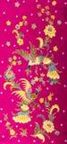 Batik bonito do teste padrão no fundo vermelho Imagens de Stock