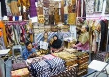 Batikverkäufer in Yogyakarta, Indonesien stockfoto