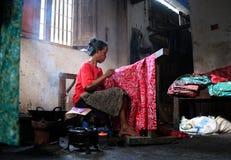 Batikvrouwen stock afbeelding