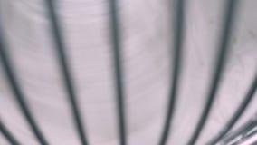 Batożący kremowy bicie w przemysłowym melanżerze zbiory wideo