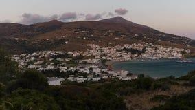 Batsi van Andros Eiland in de Tijdspanne van de de Zonsondergangtijd van Griekenland stock footage