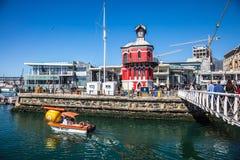 Battello da diporto nel porto di Cape Town Fotografia Stock Libera da Diritti