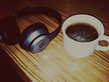 Battements et thé vert photographie stock