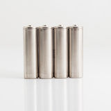 Batterie AA d'argento isolate su bianco Immagini Stock
