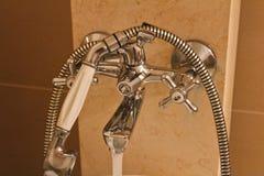 Batterie en acier de salle de bains avec du marbre, photo détaillée images stock