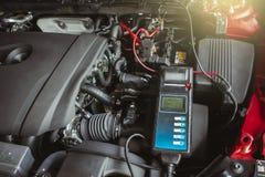 Batterie-Kapazitäts-Prüfvorrichtungs-Voltmeter für Service-Wartung von industriellem stockfoto