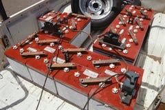 Batterier i säng av den elkraft drev lastbilen royaltyfri foto