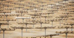 Batteries solaires de paysage industriel Photographie stock