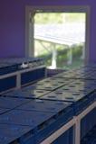 Batteries solaires sur l'île à distance aux Fidji Photographie stock libre de droits