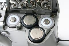 Batterieschlitze in einer kompakten Kamera Lizenzfreies Stockbild