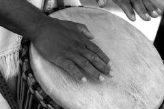 Batterista africano Immagini Stock