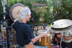 Batterista al servizio del Hippie di Punta Arabi Fotografia Stock Libera da Diritti