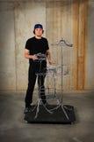 Batterista che gioca sui tamburi del collegare Immagini Stock Libere da Diritti