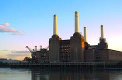 battersea伦敦发电站日落 免版税图库摄影