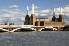 Battersea Power Station in London. Train crossing Chelsea Bridge with Battersea Power Station in the background, in London Stock Photos