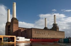 Battersea Power Station With One Of Iconic Four White Chimneys Being Fixed On A Sunny Day. Stock Image
