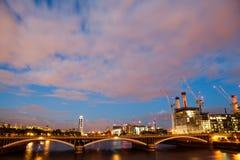 Batterseakrachtcentrale, Londen, Mening van Chelsea Bridge royalty-vrije stock foto's