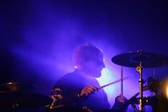 Batteur sur l'étape, Prodigy, concert en Russie 2005 photographie stock libre de droits
