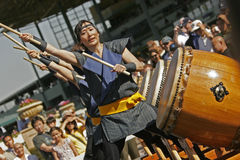 Batteurs de Taiko Photo stock
