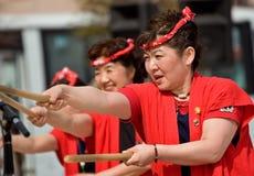 Batteurs japonais de Taiko de festival de Daihanya Images stock