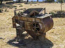 Batteuse abandonnée dans le domaine photo libre de droits