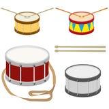 Battez du tambour, un ensemble de tambours réalistes avec des bâtons de tambour illustration de vecteur