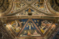 battistero二圣乔凡尼,锡耶纳,意大利的细节 免版税库存图片
