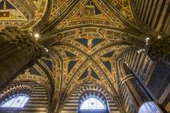 battistero二圣乔凡尼,锡耶纳,意大利的细节 免版税库存照片
