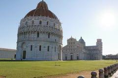 Battistero Di San Giovanni i Cattedrale di Pisa Włochy Zdjęcia Royalty Free