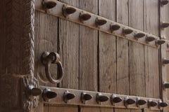 Battitore di porta del ghisa e dettaglio dei perni Immagine Stock