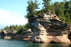 BATTLE SHIP PICTURED ROCKS. PICTURED ROCKS ON SUPERIOR LAKE Stock Photo
