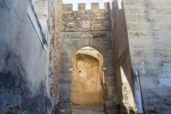 Battlements, διαβάσεις και πύργοι Badajoz του μουσουλμανικού τοίχου, Ισπανία Στοκ Εικόνες