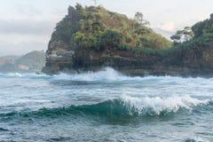Batu Bengkung plaża Malang Indonezja obraz stock